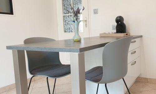 table-sur-mesure-rangement-pied-inox
